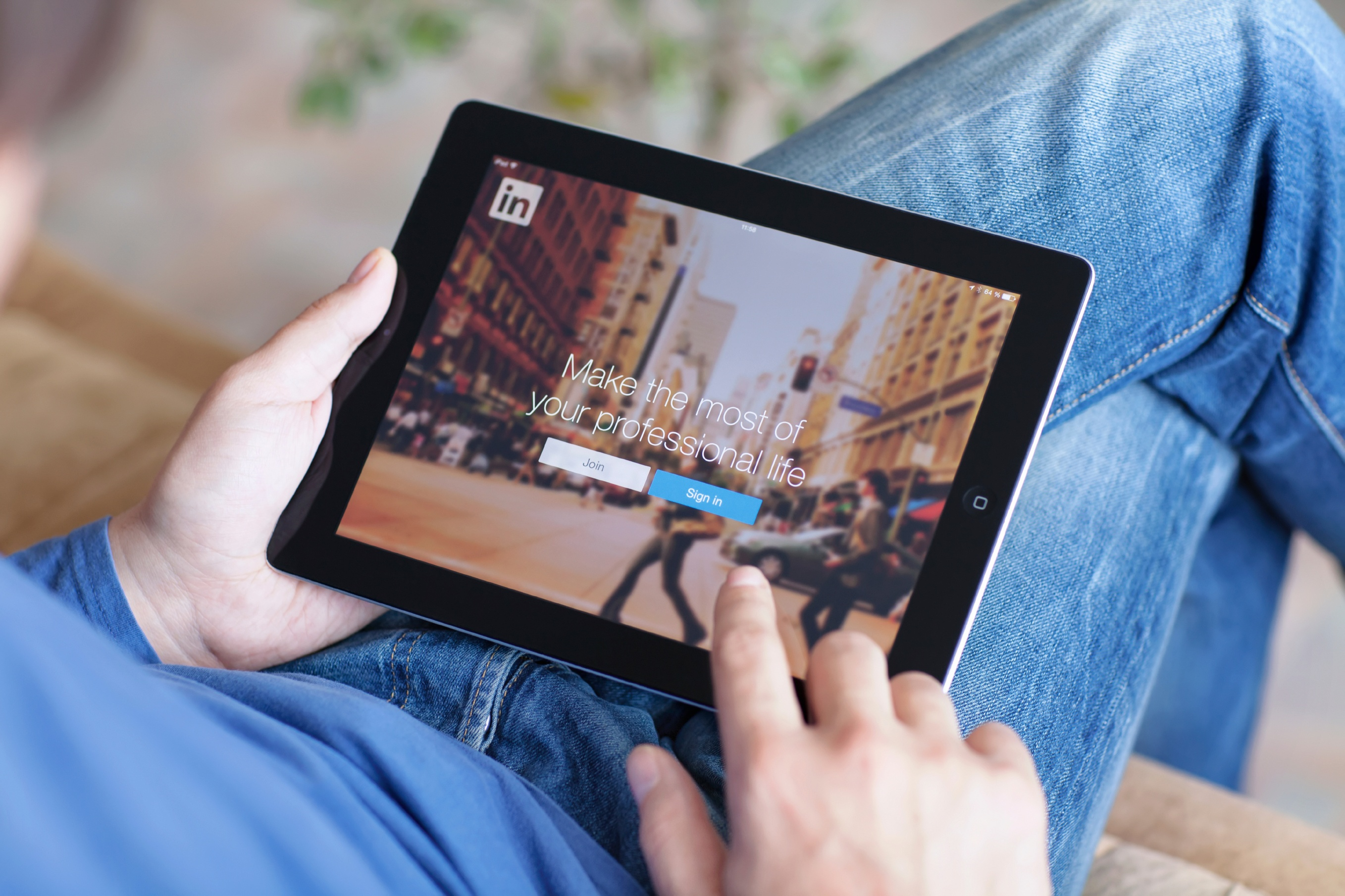 How to Put a Strategy Behind Your Professional LinkedIn Profile
